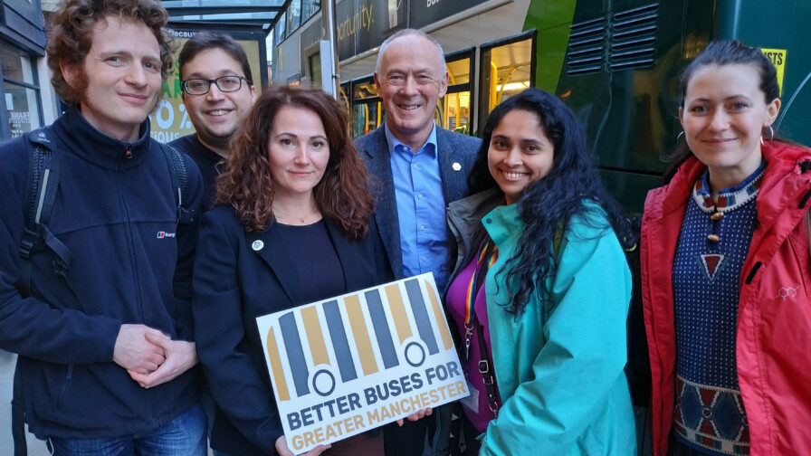 bus campaigners meet richard leese