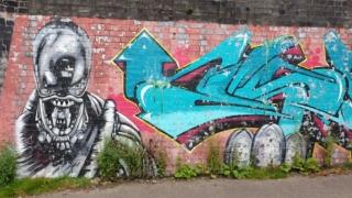 Fallowfield Loop gaffiti depicting an alien